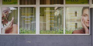 Polepy na okná a výklad M&M štúdio