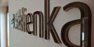Výroba lóg z plexiskla pre Siklienku Bratislava - TwoAgency