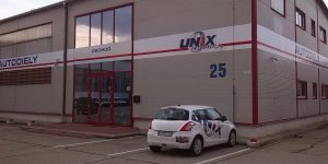 Polepy na fasádu fóliou pre autodiely Unix Bratislava - TwoAgency