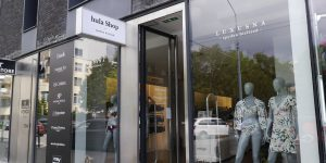 Polep výkladu s matt fóliou Hula Shop Bratislava - TwoAgency