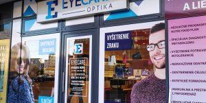 Reklamný polep a svetelná reklama pre Eyecare Bratislava - TwoAgency