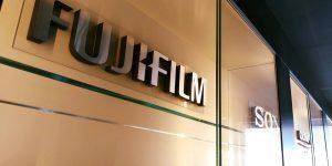 Luxusné interiérové 3D logá pre AQT Bratislava - Fujifilm, Sony, Olympus - TwoAgency